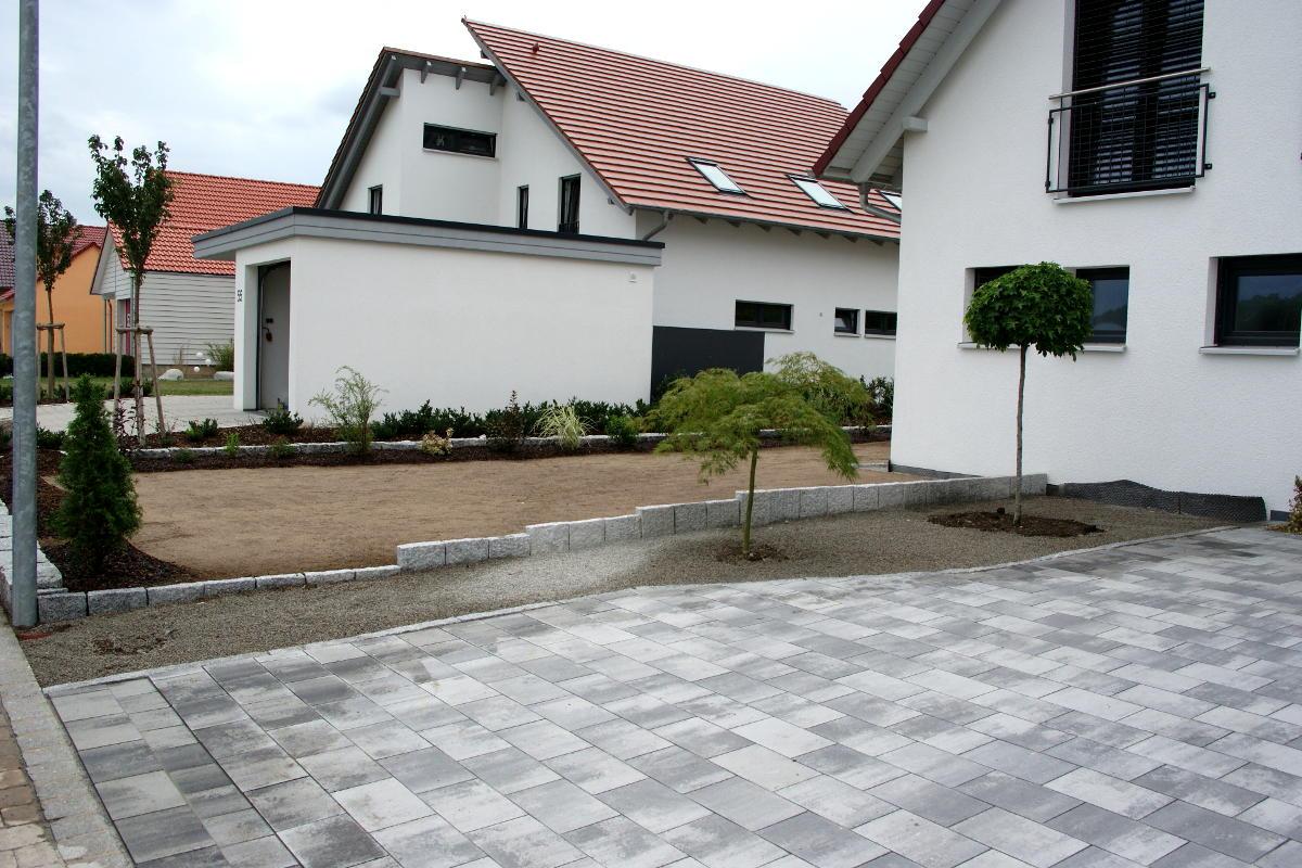 Wege und pflaster volker westerfeld gartengestaltung for Gartengestaltung wege